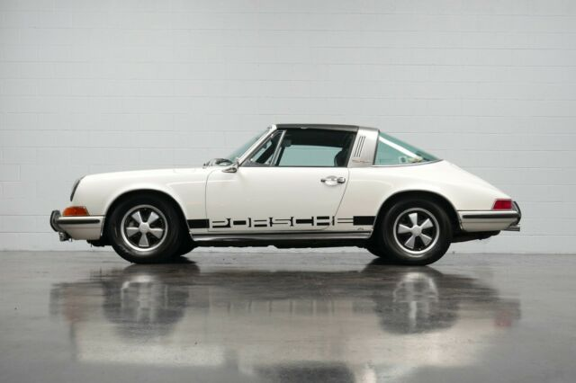 1971 White Porsche 911 Convertible with Black interior