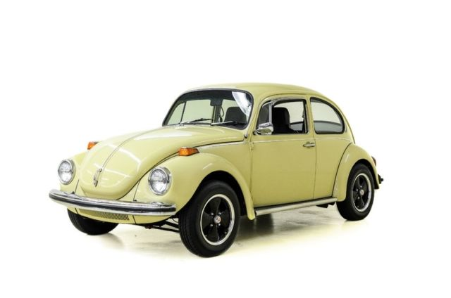 1971 Volkswagen Super Beetle  35168 Miles Shantung Yellow Coupe 1600 cc 4-Spd Ma