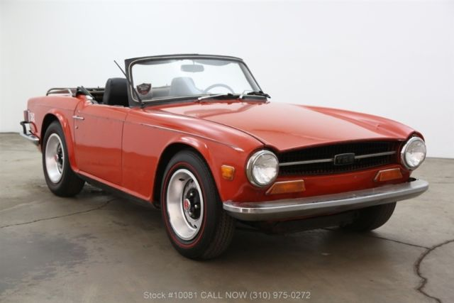 1971 Triumph TR6 with 2 Tops