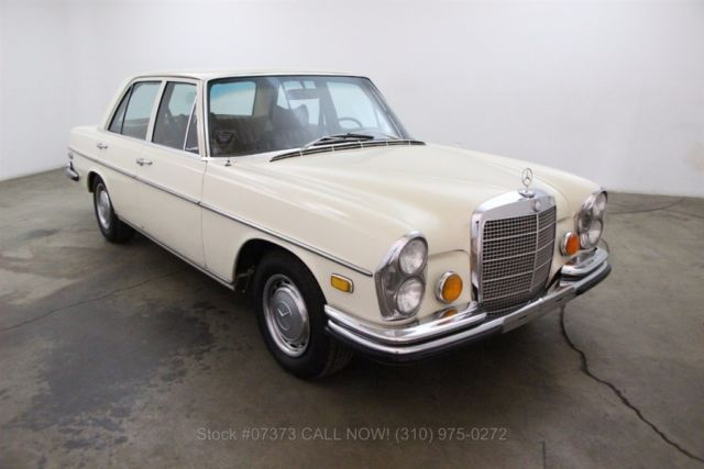 1972 Mercedes-Benz 200-Series 4.5