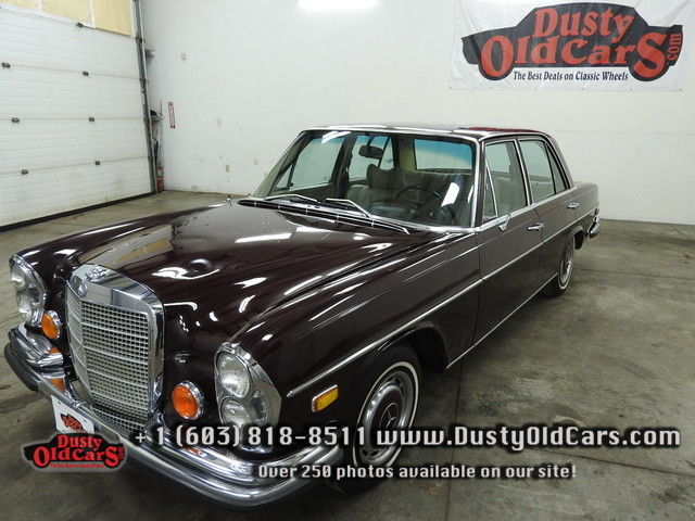 1972 Mercedes-Benz 200-Series Runs Drives Body Interior VGood 2.8 Straight 6
