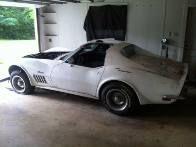 1972 White Chevrolet Corvette 1 of 286 / LT1 Factory Air Conditioning Coupe with Black interior