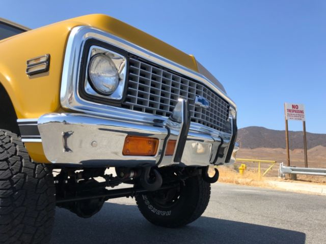 1972 White Chevrolet C-10 Truck Standard Cab Pickup with Black interior