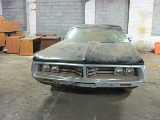 1972 Black Chrysler 300 Series NEW YORKER Coupe with Gold interior