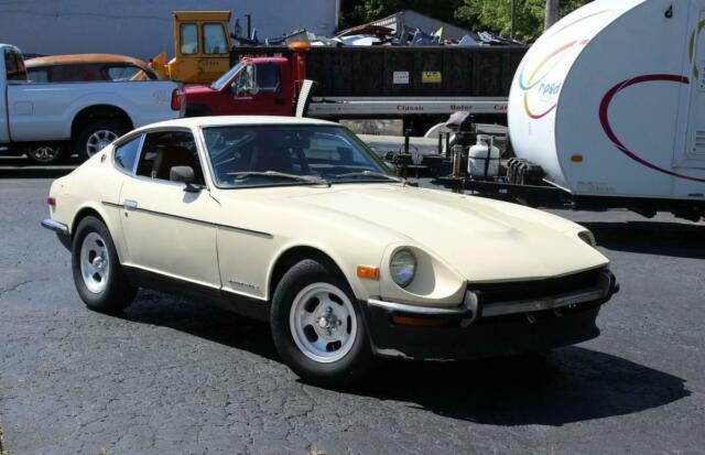 1972 Green Datsun Z-Series Project, Green/Tan, 4spd with Tan interior