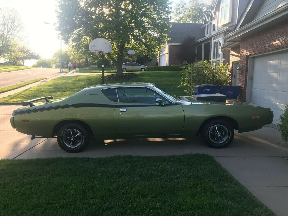 1972 Dodge Charger Solid Super Bee Striping Clean For Sale Photos Technical Specifications Description