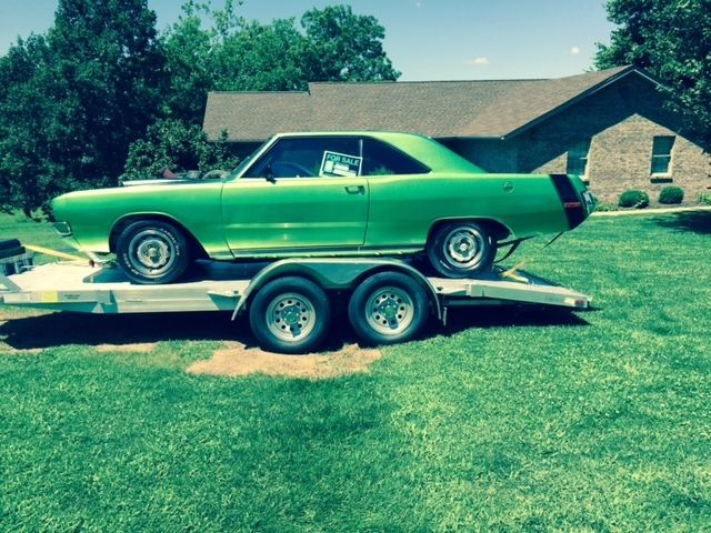 19720000 Dodge Dart Swinger