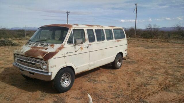 1972 Dodge Sportsman Royal Van for sale: photos, technical