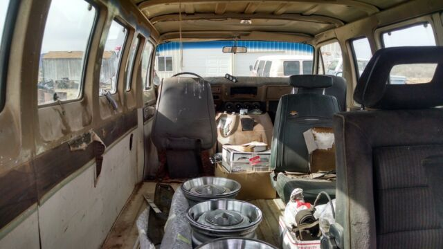 1972 Dodge Sportsman Royal Van for sale: photos, technical