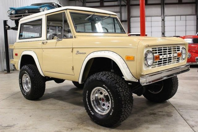 1972 Tan Ford Bronco SUV with Tan interior