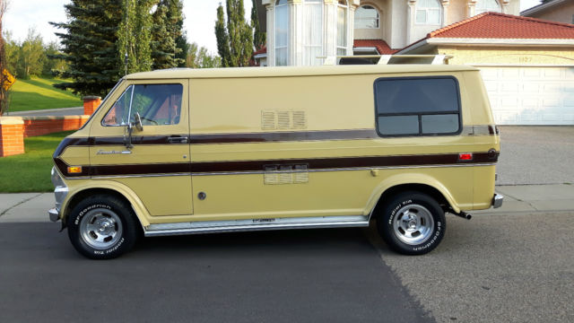 1972 ford e200 boogie van camper surfer van no reserve for sale photos technical. Black Bedroom Furniture Sets. Home Design Ideas