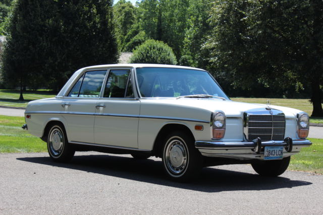 1972 Mercedes-Benz 200-Series 220 D