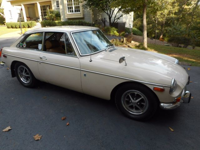 1972 MG MGB GT Overdrive Rare 1 Year Only Color Rust Free West Coast Car