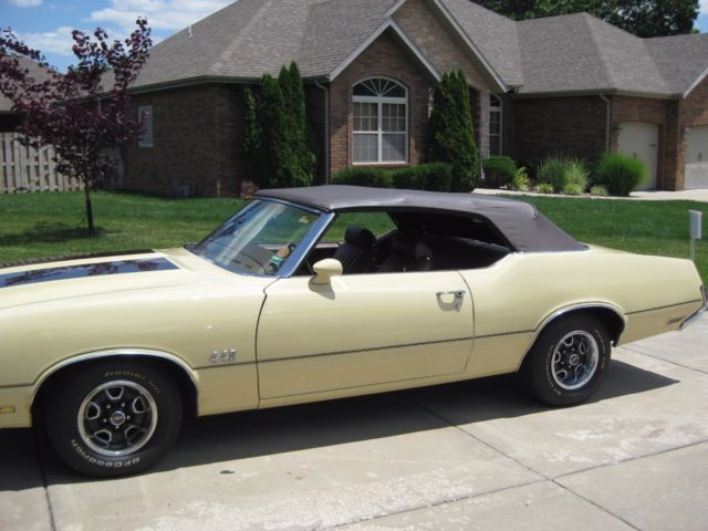1972 Oldsmobile 442 brown