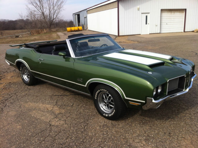 1972 Oldsmobile Cutlass 442 Convertible