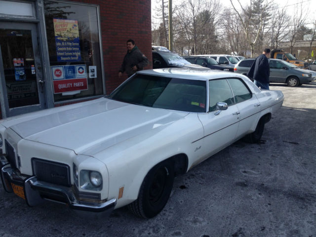 1972 Oldsmobile Delta 88 Base Hardtop 4 Door 5.7L