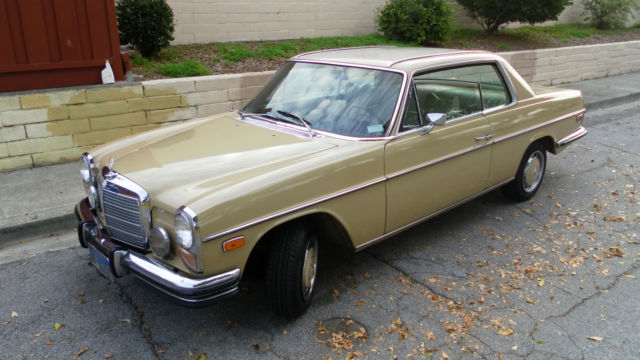 1973 Mercedes-Benz 200-Series Beautifully Trimmed