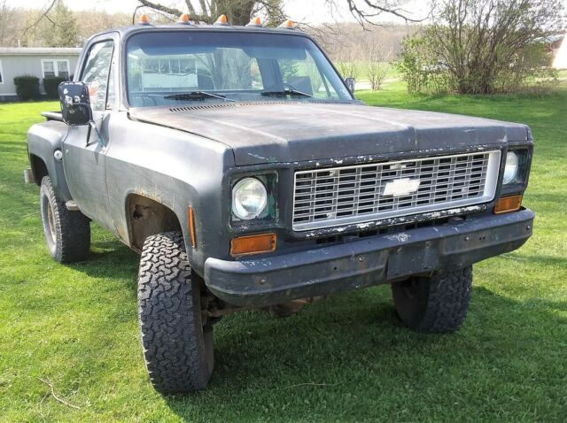 1973 Chevy Cheyenne K10 4x4 Shortbed Stepside - 4 Speed - 4