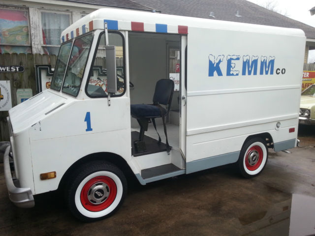 1973 Chevrolet P10 STEP VAN DELIVERY TRUCK