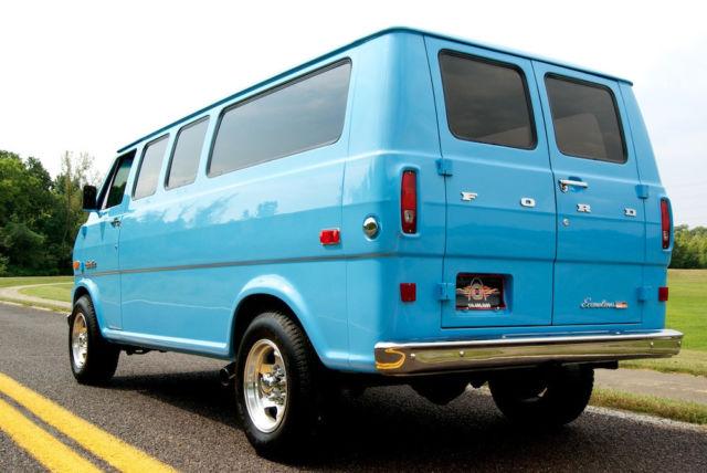 1973 Ford E-300 Econoline Supervan, Rare Fully Restored Van, AC, V-8 Power! for sale: photos