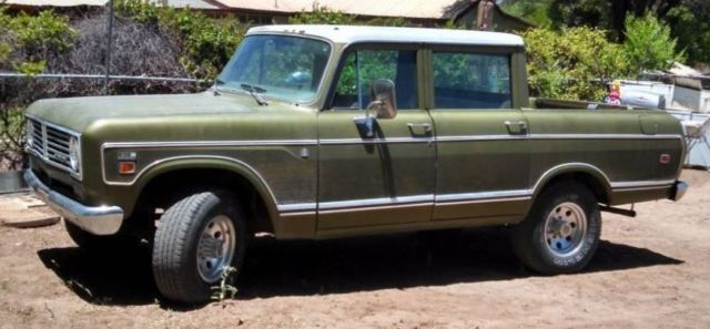1973 International Harvester 1210 wood grain