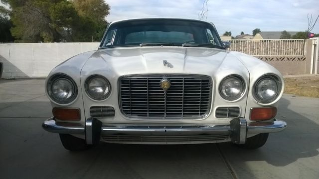 1973 jaguar xj6 series 1 very rare sunroof model for sale photos technical specifications. Black Bedroom Furniture Sets. Home Design Ideas
