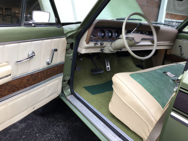 1973 Green Jeep J4000 J4000 pickup with Green/beige interior