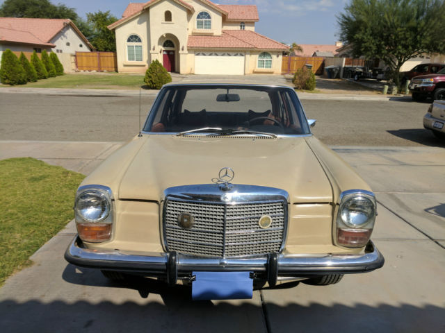 1973 Mercedes-Benz 200-Series Sedan