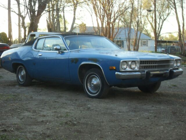 1973 Plymouth Satellite with Green interior