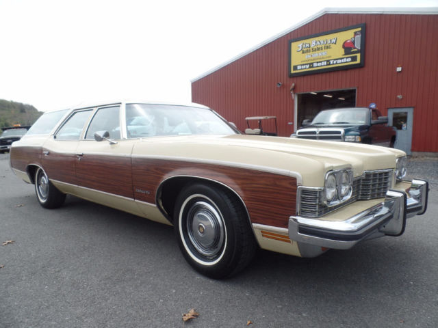 1973 Pontiac Grand Safari Station Wagon