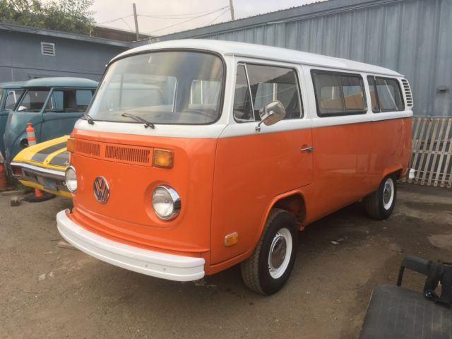 1973 Volkswagen Bus/Vanagon SUNROOF -RARE AUTOMATIC TRANSMISSION