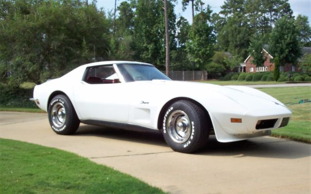 1973 Chevrolet Corvette Coupe with T-Top and luggage rack