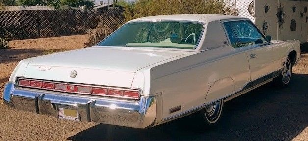 1974 White Chrysler New Yorker new yorker Coupe with White interior