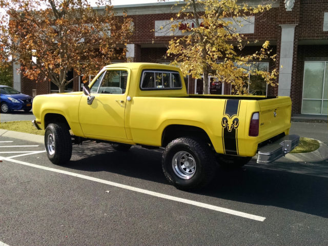 1974 Dodge Power Wagon W100 Short Bed