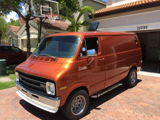 1974 Dodge B100 Shorty Street Van Tradesman 100