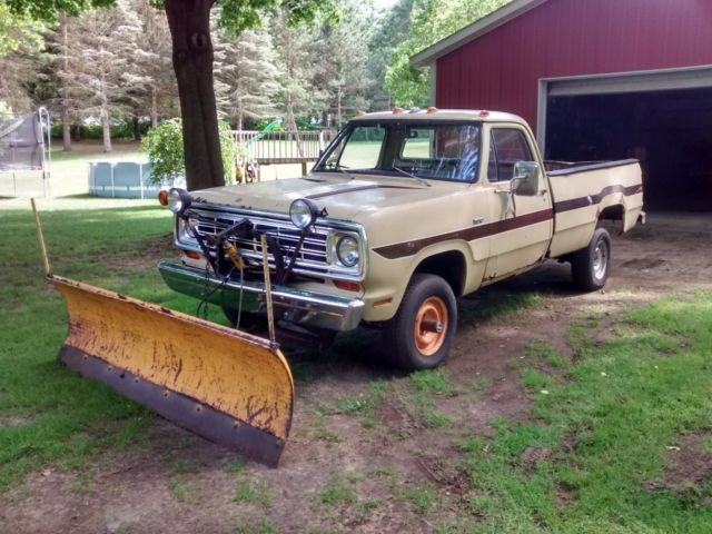 Dodge Plow Truck >> 1974 Dodge W100 Pickup With Sno Fiter Package 4 Wheel Drive Snow