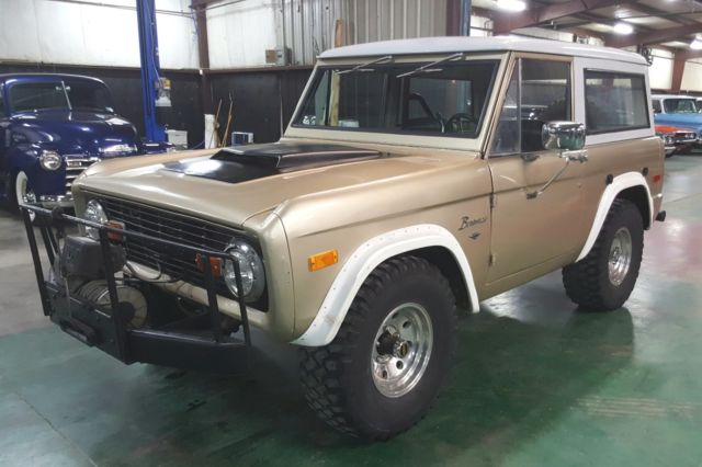1974 Ford Bronco 4x4 302 V8 automatic