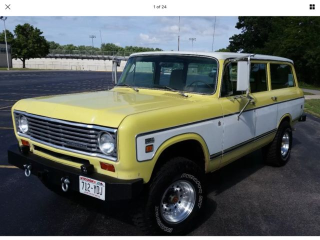 1974 International Harvester Travelall 200 4x4