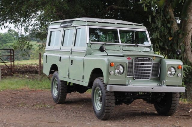 1974 Land Rover Defender Safari 109