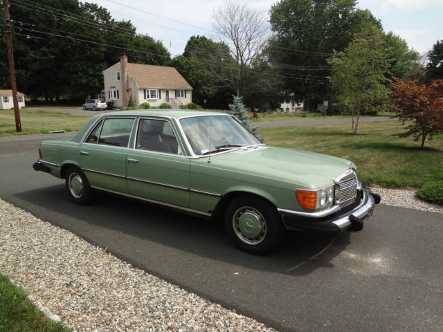 1974 Mercedes-Benz 400-Series