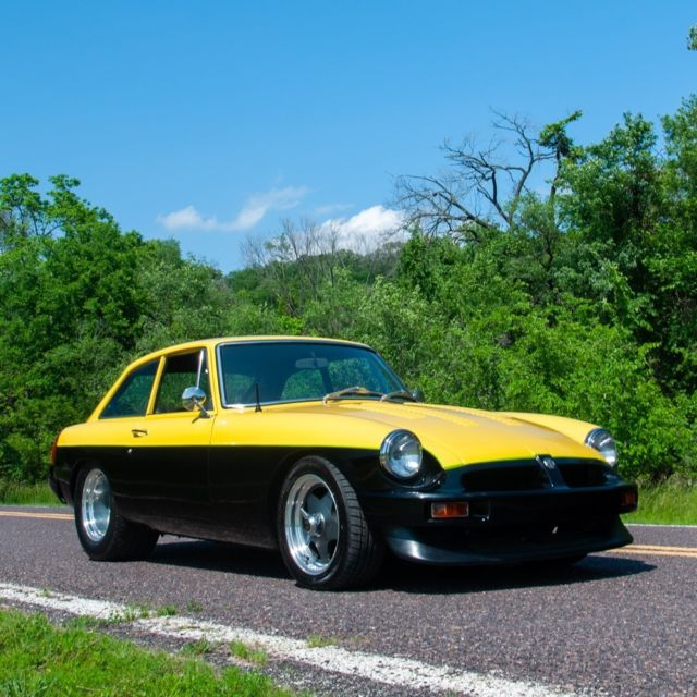 1974 MG MGB MGB GT Mark III V8