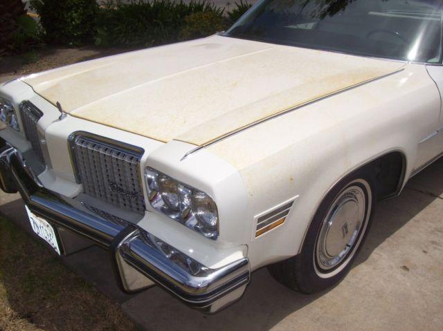 1974 Oldsmobile Ninety-Eight white