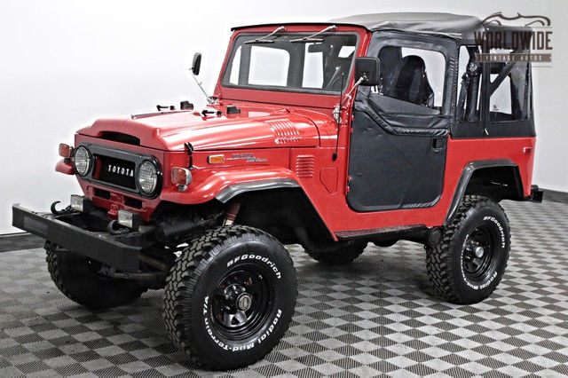 1974 Toyota FJ40 FULL RESTORATION. V8 POWERED. P/S, P/B. STUNNING