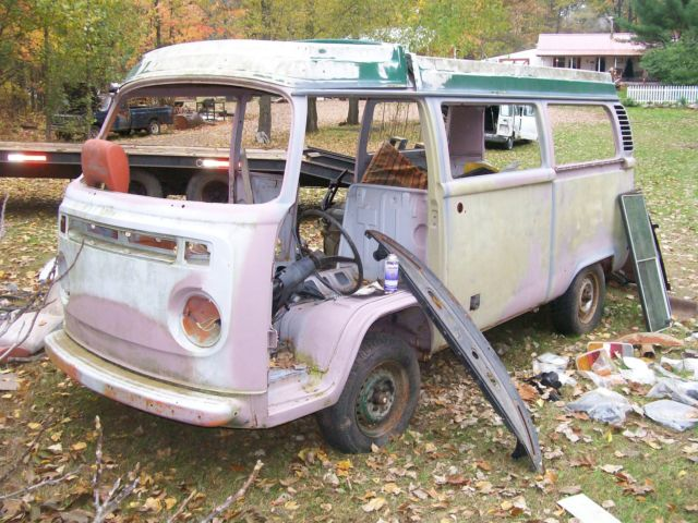 1974 Volkswagen Bus/Vanagon some