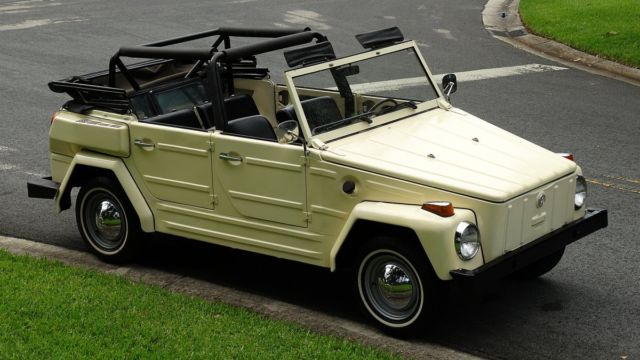 1974 VOLKSWAGEN THING CLASSIC COLLECTIBLE THING IN GREAT CONDITION INSIDE AN OUT