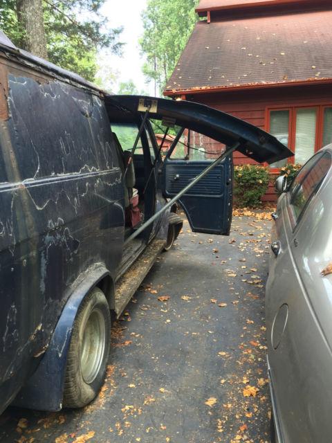 1975 Chevrolet Custom Van Gull Wing Doors Visor Flares