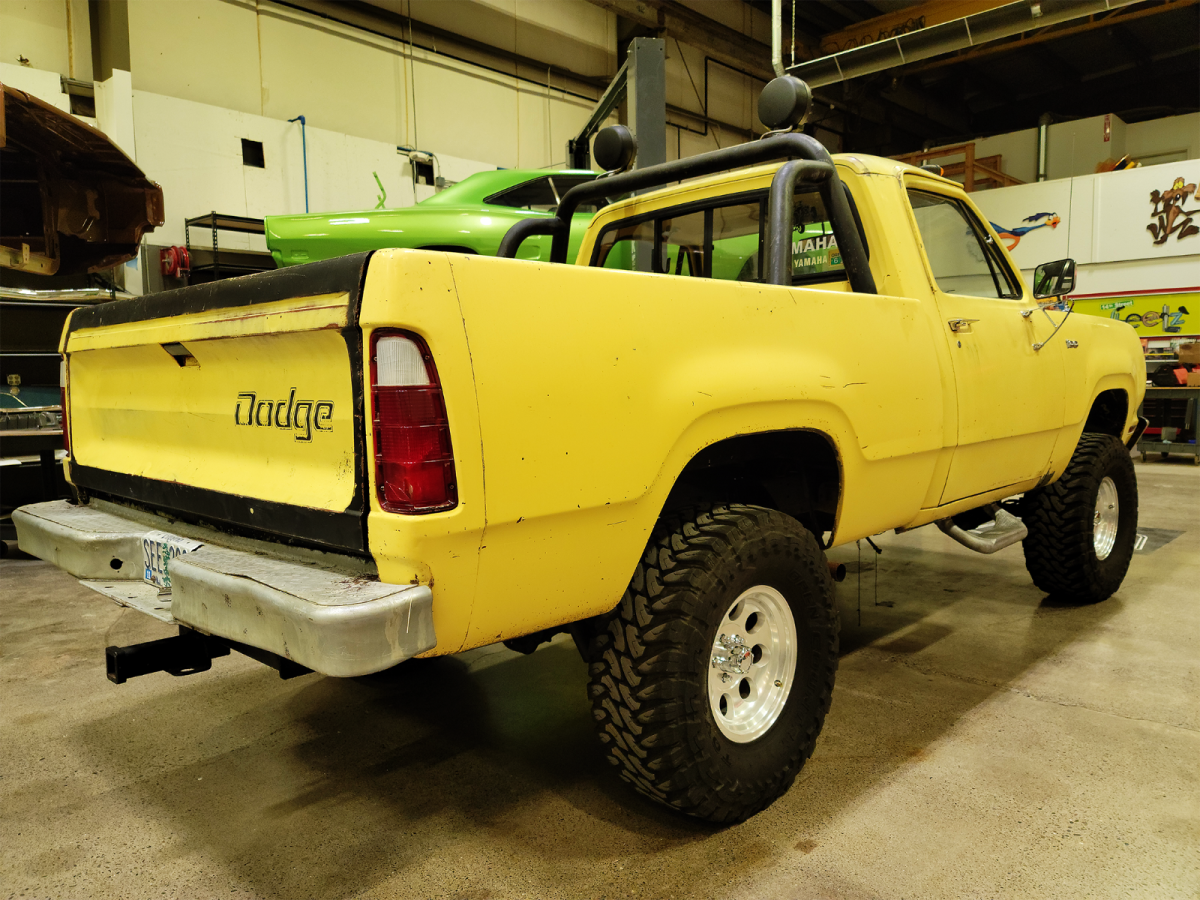 1975 Dodge Power Wagon 4x4 Short Bed 440 Yellow Runs And Drives For Sale Photos Technical Specifications Description