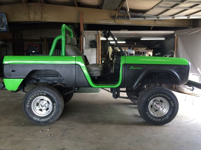 1975 Ford Bronco Standard