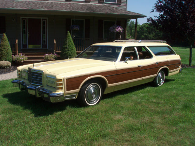 1976 Ford Country Squire LTD