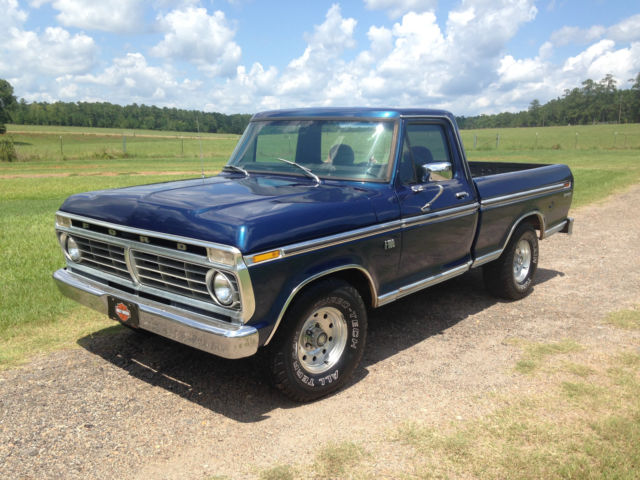 1975 Ford F-100 Ranger Standard Cab Pickup 2-Door